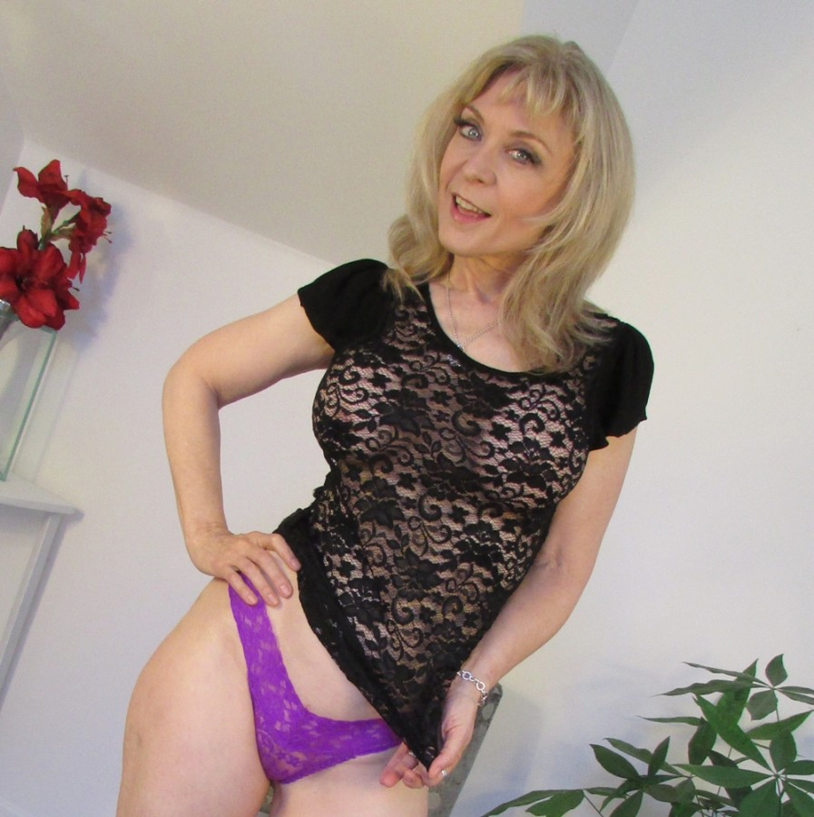 Nina Hartley Pussy Eating